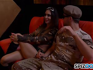 Jessica Jaymes and Nina Elle get off with army man spear