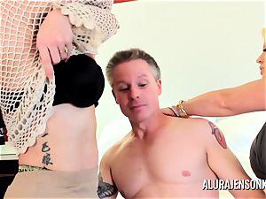 milf detective Alura Jenson 3some lovemaking