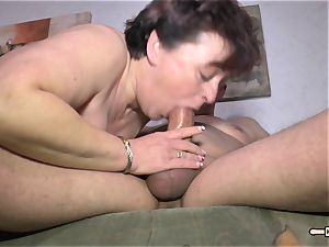 Hausfrau Ficken - steamy bang-out with unexperienced German housewife