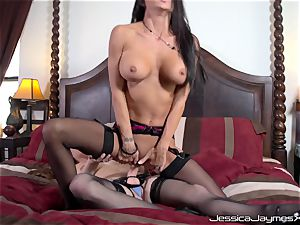 Jessica Jaymes and Allison Moore muff boning with strap on