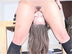 insane ladies eating some bootie