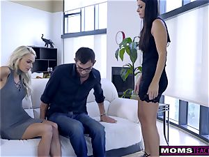 mom pummels son And munches creampie For Thanksgiving treat