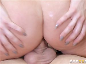 red-haired manager Britney Amber porks a insatiable employee