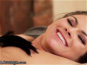 delightful honey Jessa Rhodes taunts, kittles and munches guiltless Aspen