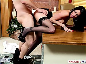 Darling Dava Foxx opens her legs for a great twat slurping