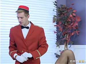 Real insane cougar Phoenix Marie gets deep service in hotel apartment