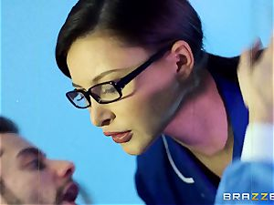 Anna Polina gets it in her super-naughty clam