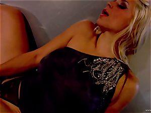 Sarah Vandella reveals her perfectly lush tits