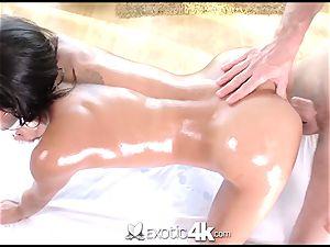 Exotic4k Chloe Amour massage plumb and jizm stream
