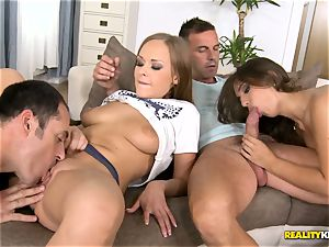 Sexypussy pie four way with Ariel Temple and Lila G