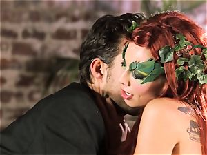 forest damsel Aidra Fox puts partying on hold for her dude