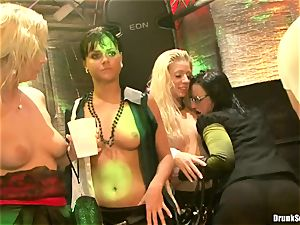 Bibi Fox lock crevice the key of a sizzling studs with friends