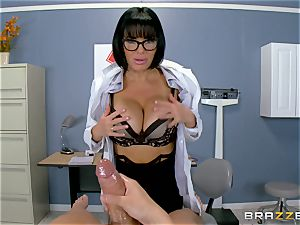 Veronica Avluv makes sure this torrid patient is entirely sated
