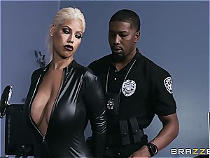 super-steamy cougar fucked by security guard with a bbc