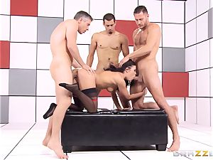 Adriana Chechik pokes trio hard-ons at once