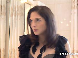 Private.com Don't miss Rachel Adjani