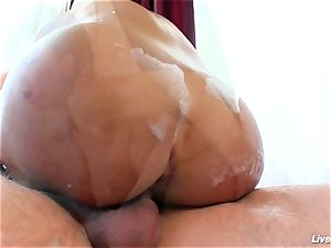 LiveGonzo Lisa Ann Mature mummy ejaculation