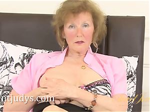 Over 60 mature model jewel shows us her grannie body